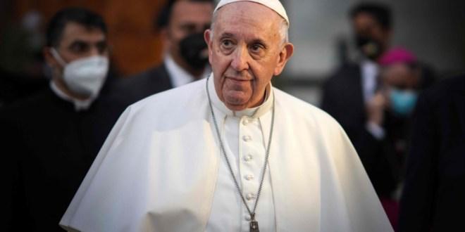 البابا يبدأ زيارة تاريخية إلى العراق