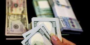 """الدولار """"يحلّق"""" فوق الـ10 آلاف.. إليكم سعره مساء اليوم"""
