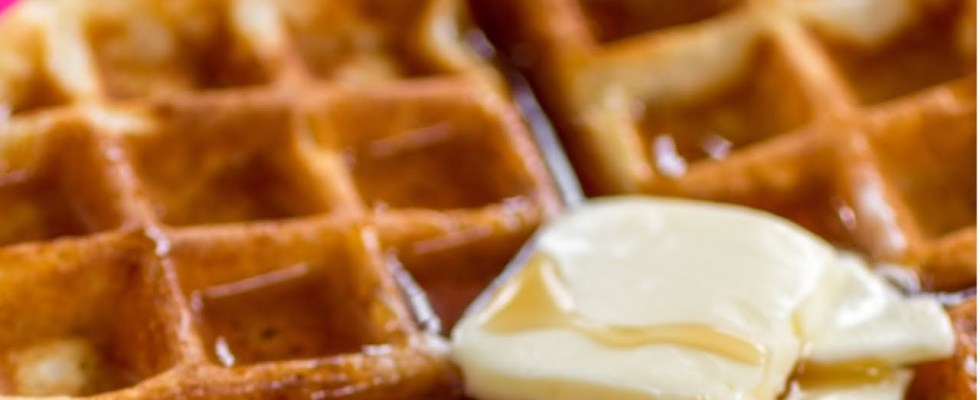 How to make Belgian waffles (easy recipe with mix)