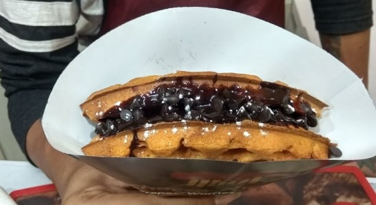 Indian Street Food | Tasty Waffles, Crepes and Milkshakes | Food Biography