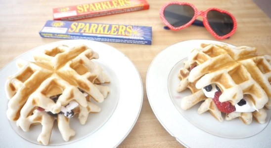 WEEKEND BRUNCH RECIPE | MINI WAFFLE SLIDERS | COOK WITH ME | Sandy Beach