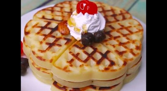 Waffle Without Waffle Machine - Waffle Recipe - Eggless Waffles - Without Oven Waffles | Yummy