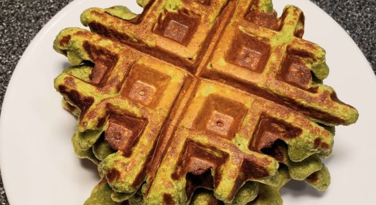 Healthy Spinach Waffles Recipe | Gluten Free Breakfast Lunch or Snack idea!