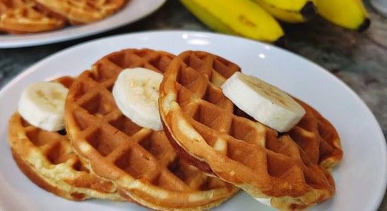 WAFFLE RECIPE | Banana Waffles Recipe | Easy Homemade Waffles