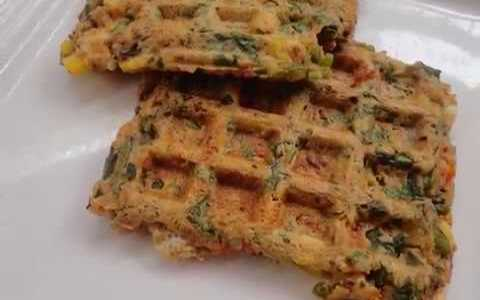 oats and bread waffles recipe / tea time snack or break fast recipe / hunger tiomeout