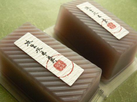 この夏一番のとろける食感!たねやの本生水羊羹 - 和菓子 ...
