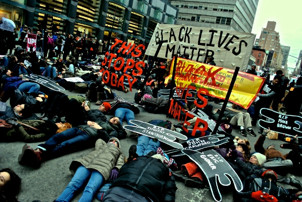 A die-in in Midtown Manhattan on Martin Luther King Day. (WNV/Peter Rugh)