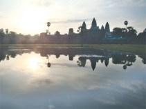 क्याम्बोडियाको सियामरिप नजिकैकै अङकोरबाट मन्दिर