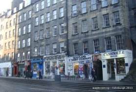 Shops- on way to Edinburgh Castle