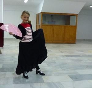 Flamenco Dancing (Skirt, Fan, Heels!)