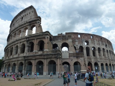 TThe Roman Forum and Colosseum