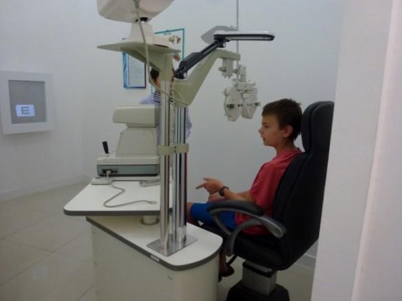 Optometrist Chiang Mai Exam Room
