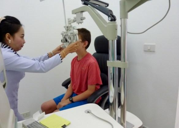 Optometrist Chiang Mai Exam