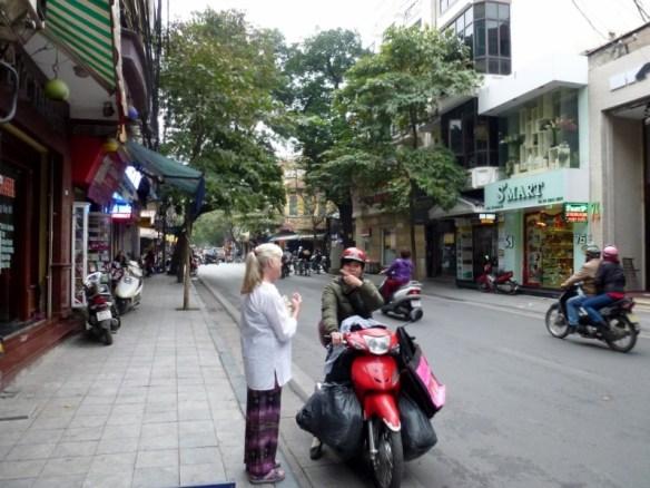 Scooting Around Hanoi (1)