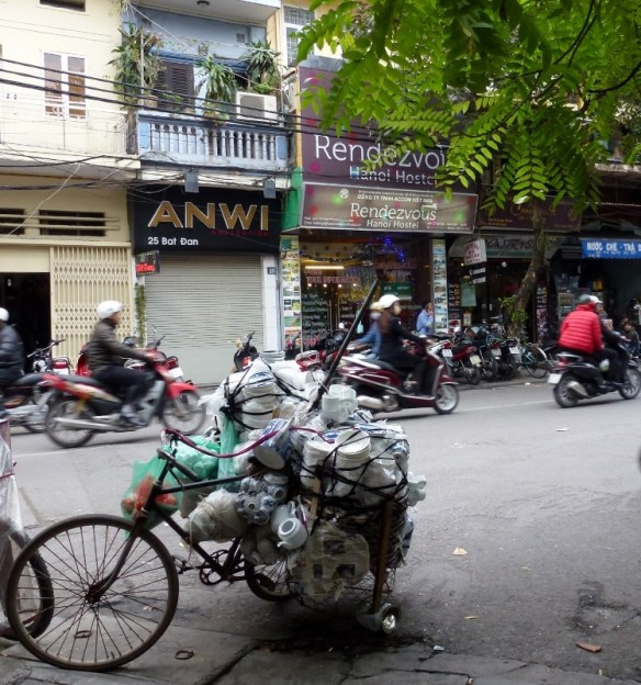 Scooting Around Hanoi (6)