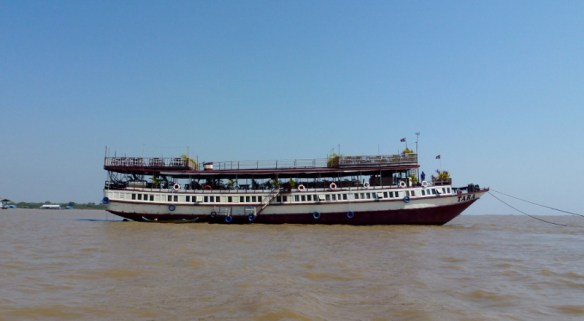 Big Tara Riverboat and lunch (7)
