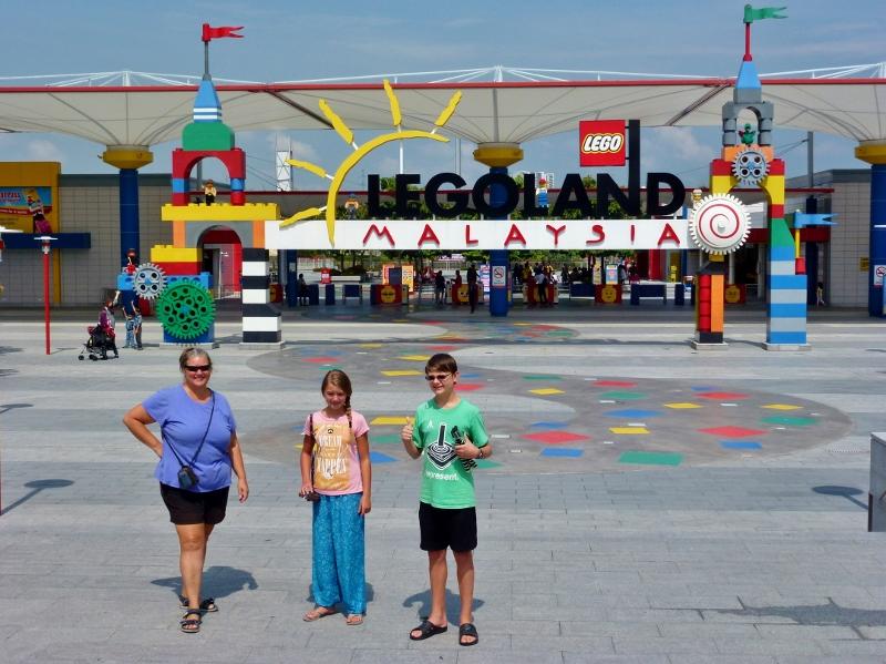Kuala Lumpur to Legoland Malaysia or from Singapore Too
