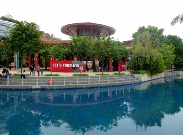 Singapore with kids - Things to do and see Trick eye museum