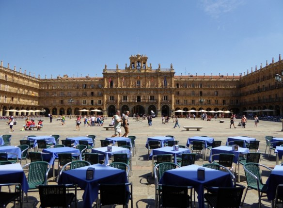 Move to Spain relocation packages. We can help you with your move. This is Plaza Mayor in Salamanca Spain