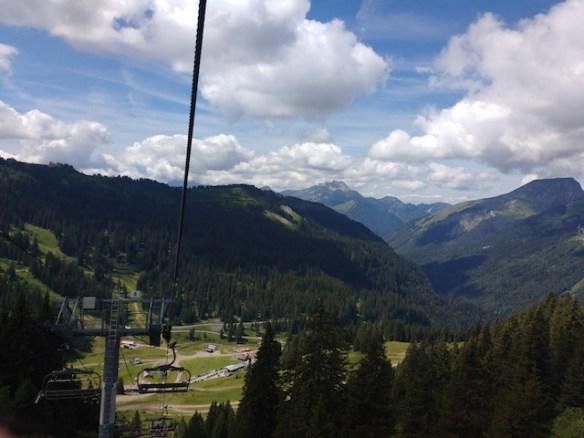 Downhill-mountain-bike-Alpine-Sports-Morzine-from-the-lift