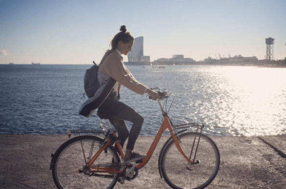 Barcelona by bike - Barceloneta - beach