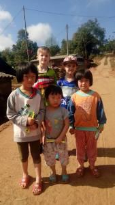 Tailand Hilltribe village children