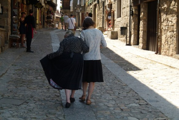 Some locals walking around La Alberca. Pueblo Espanol photo from Silvia.