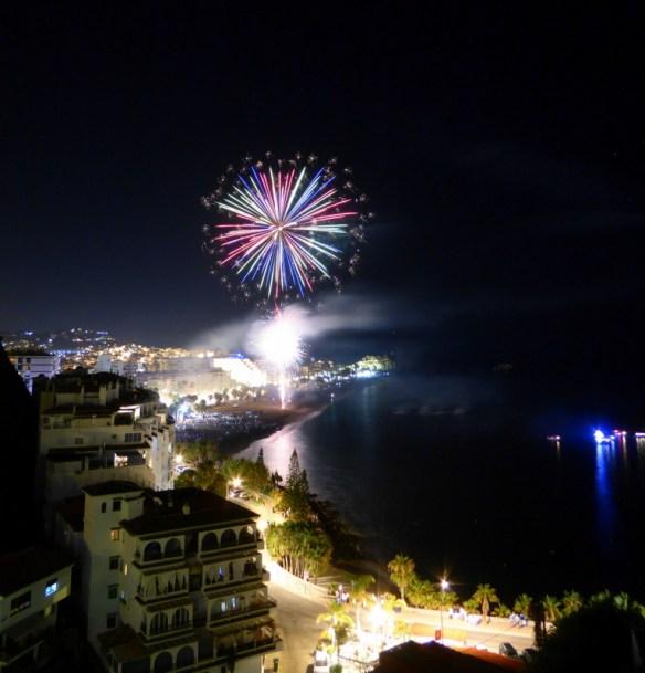Fiestas Almunecar - Playa San Cristobal Beachview Fireworks