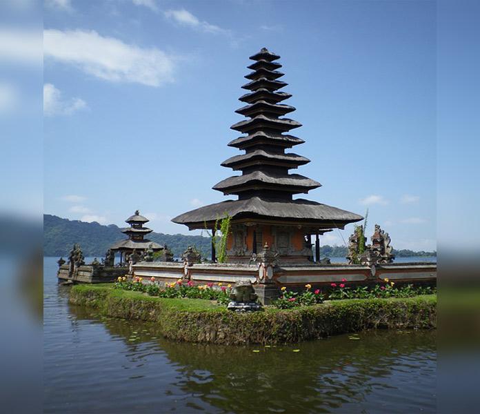 Ini Dia, 4 Destinasi Wisata Di Bali Yang Wajib Anda Kunjungi Pura Di Tanah Lot Bali Indonesia