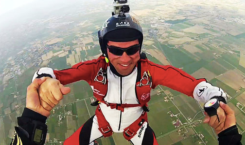Oakley Wind Jacket for extreme sports