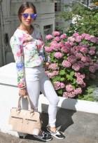 white-jeans-fashioninsideout-floral-jacket
