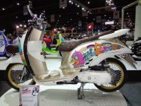 motorshow2011-angle-17-scoopy