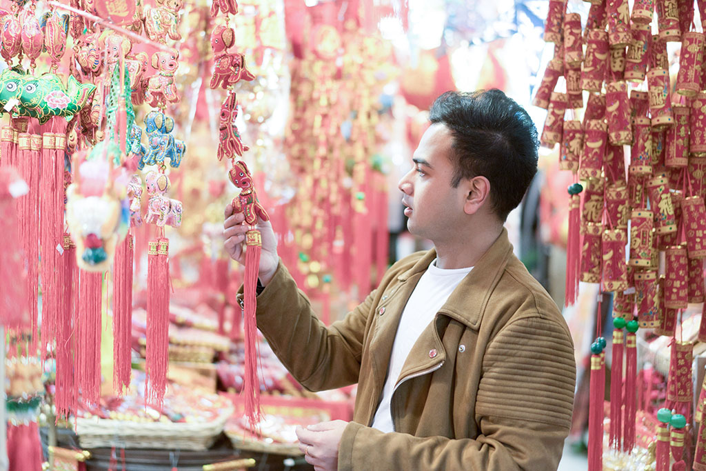 Jonathan Waiching Ho_Travel To Vancouver_Visit China Town Vancouver_Mens Fashion Blogger_Menswear Style Influencer_11