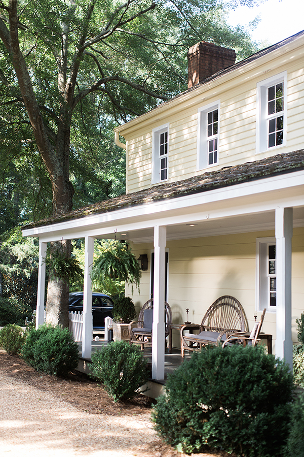 Yellow country chic farmhouse in Athens, GA | Waiting on Martha