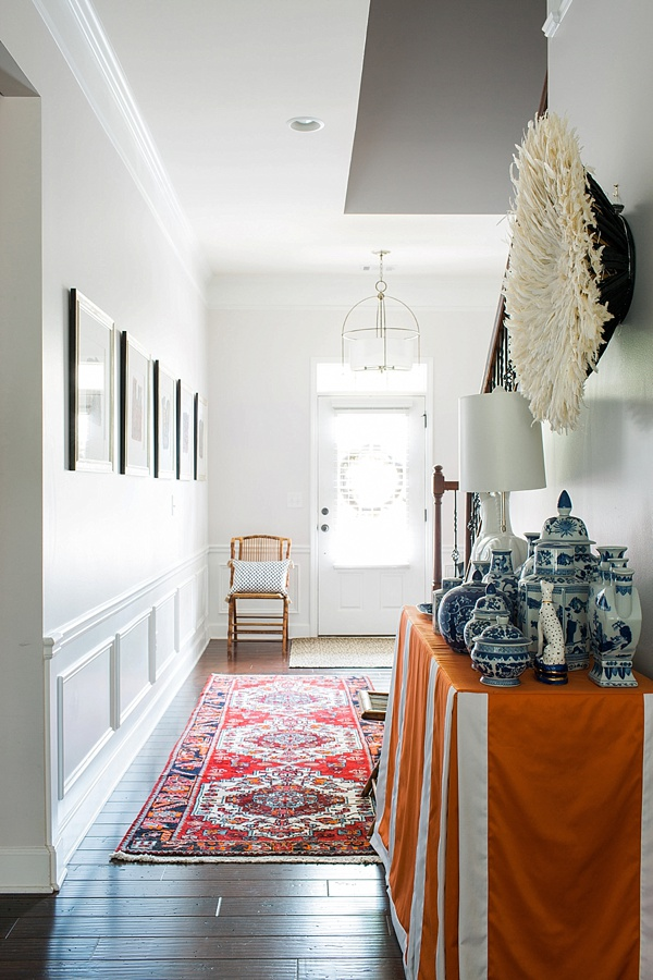 Entryway essentials: turkish rug, ginger jars and juju hat | Waiting on Martha