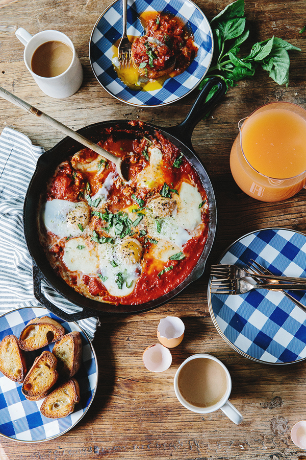 """Breakfast skillet recipe: Spicy Eggs in Hell with Vegetarian """"Sausage"""" 