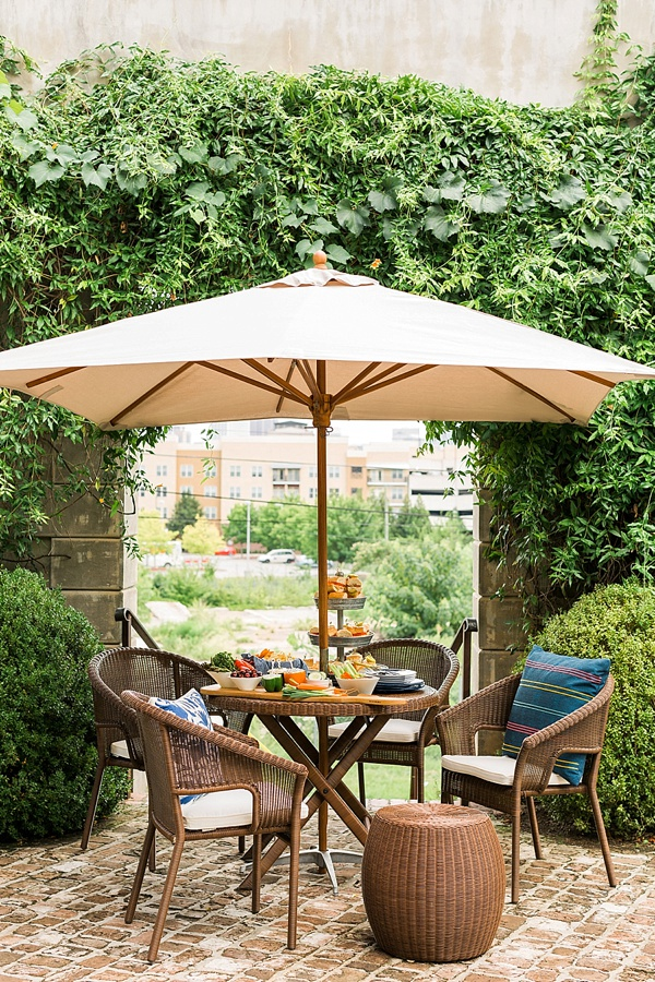 Outdoor entertaining ideas via @waitingonmartha