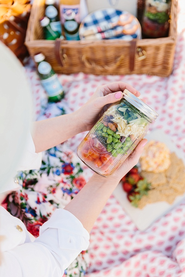 Mason Jar Salads on a Picnic with @waitingonmartha