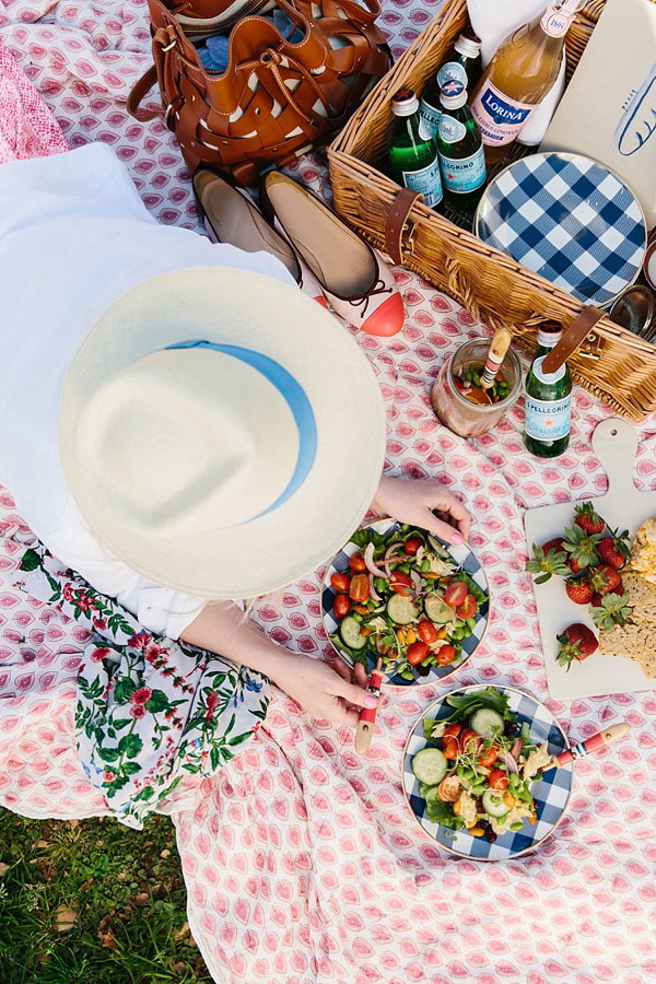 How to plan a picnic in the park, waitingonmartha.com