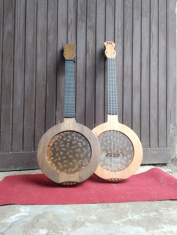 tenor-banjo-ukulele