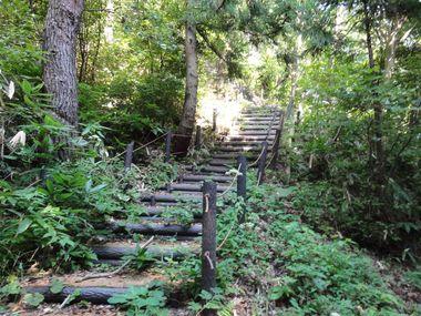 三角点への階段