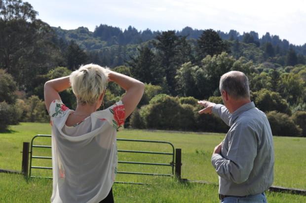 Jim Varner explaining the vineyards location
