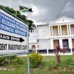 Jamaica – Rastafarian held with 17 pounds of weed walks free