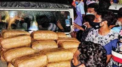 India:  Excise team chases down car in Thodupuzha, seizes 50 kg marijuana and hashish oil The marijuana and hashish oil were found in the trunk of the vehicle…