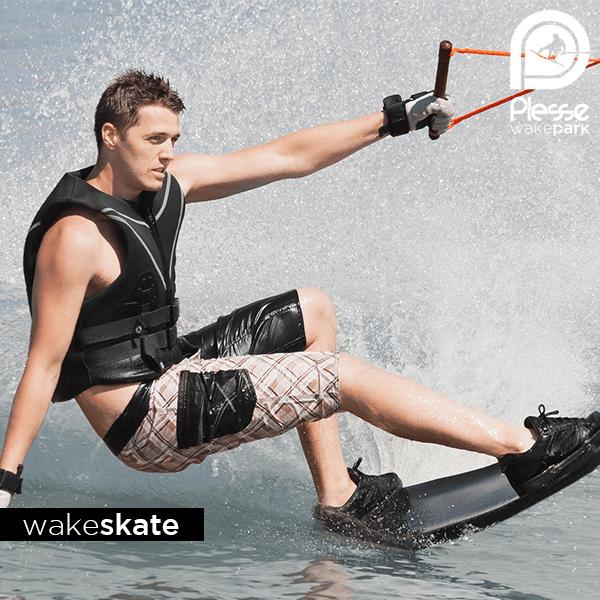 Wakeskate, Nantes Rennes Vannes - Téléski nautique / Cable Park / Wake Park - Plessé