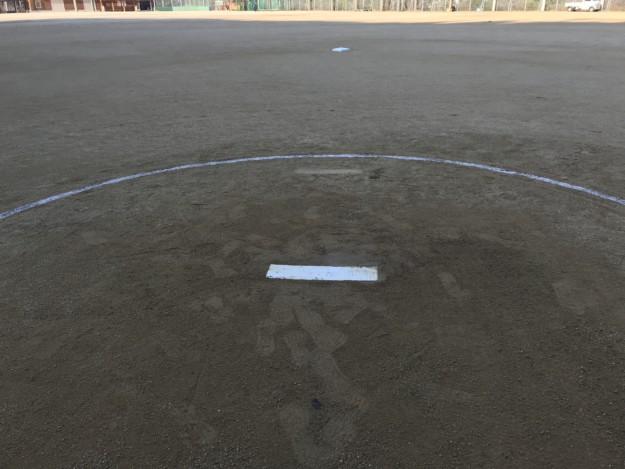 県新人戦(女子ソフトボールの部)の設営準備をほんの少しお手伝い