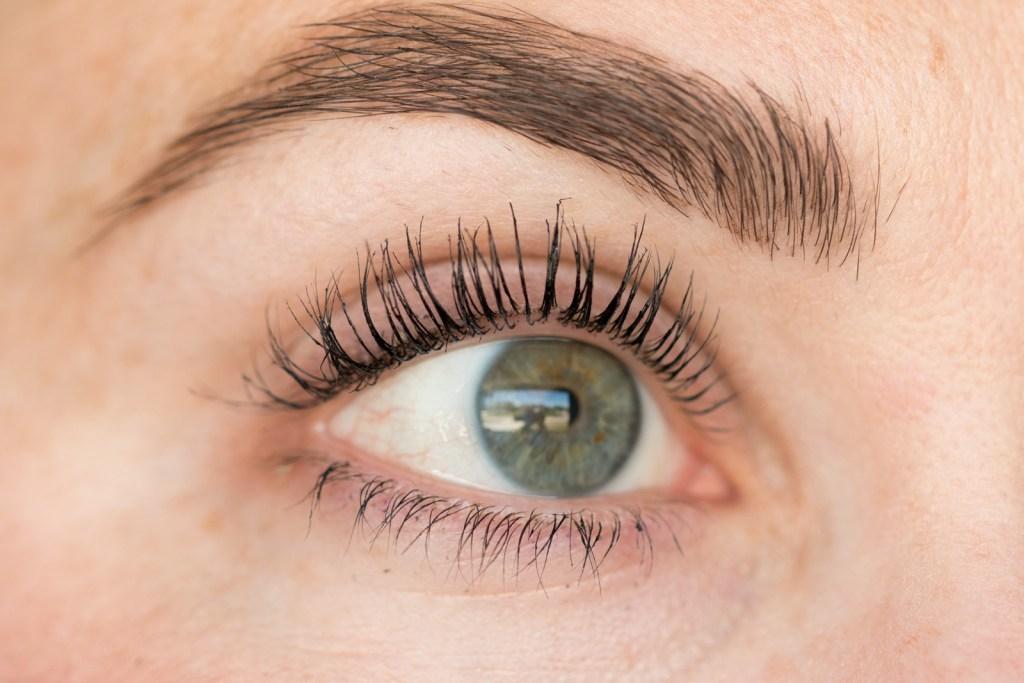 Thrive Causemetics Liquid Lash Extensions Mascara Review Wake Up
