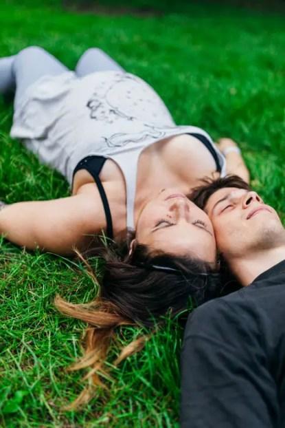 couple-1599045
