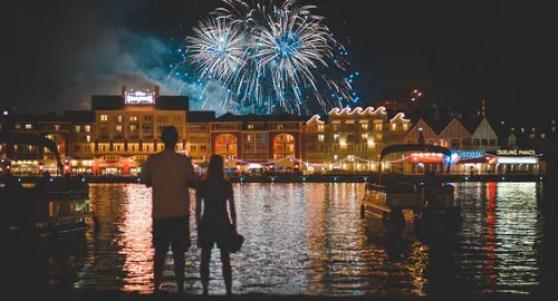 fireworks-1095378