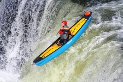 kayaking-1122520_1920